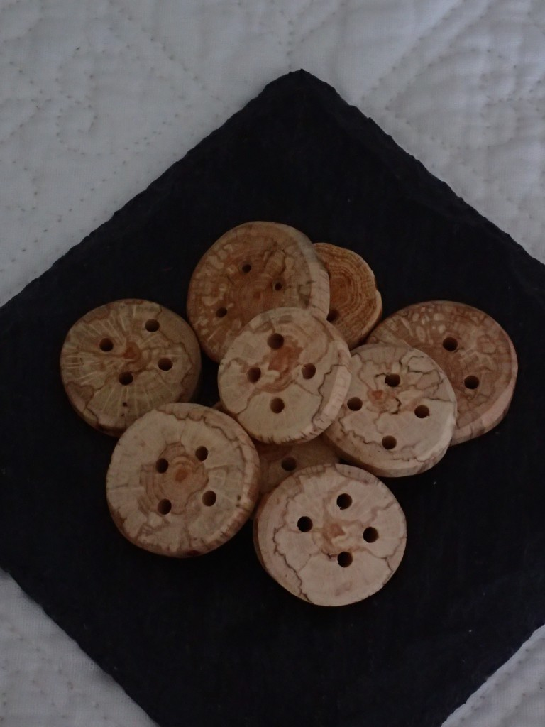 NATURALLY SPALTED OAK BUTTONS